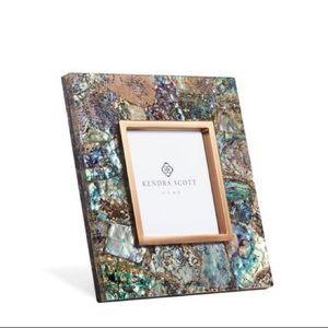 HOLD🌟Kendra Scott Crackle Abalone Shell 4x4 Frame